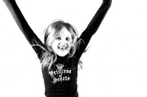 Portret van een vrolijk meisje