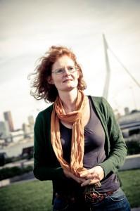 Fotoshoot met Rotterdam in de achtergrond