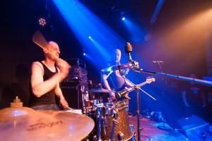 Drummen in een band
