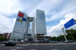 De Haagse Arc in Mondriaan-kleuren